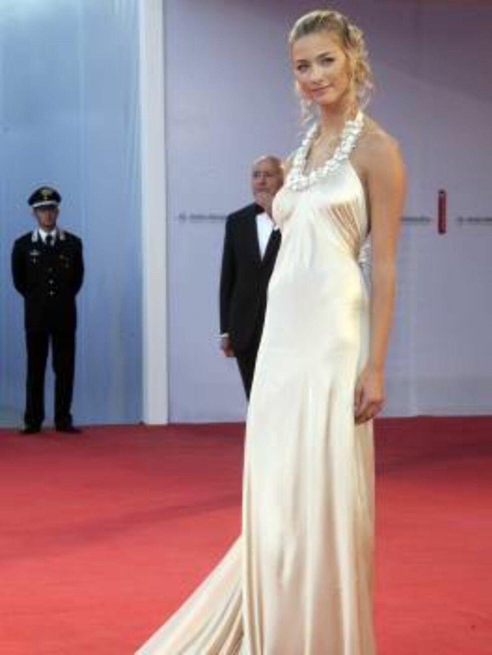 VENICE, ITALY - AUGUST 30:  Italian model Beatrice Borromeo arrives at the opening ceremony and 'The Black Dahlia' premiere on the first day of the 63rd Venice Film Festival on August 30, 2006 in Venice, Italy.  (Photo by Pascal Le Segretain/Getty Images) Foto: All Over Press