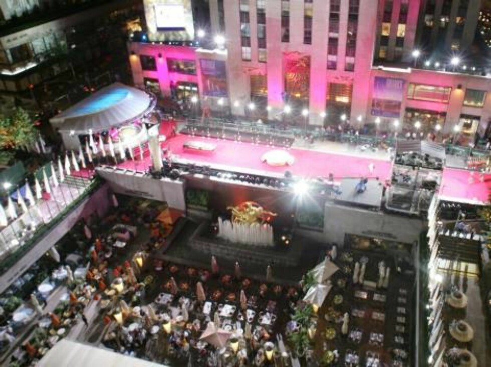 NEW YORK - AUGUST 30:  Aerial view of the stage entrance the night before the MTV Video Music Awards on August 30, 2006 in New York City.  (Photo by Todd Plitt/Getty Images)  * SPECIAL INSTRUCTIONS:  * *OBJECT NAME: 71743279MA009_MTV_VMA_Aeria* Foto: All Over Press