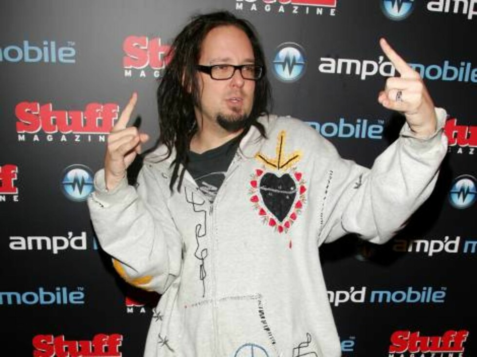 "NEW YORK - AUGUST 30:  Musician Jonathan Davis of ""Korn"" attends the Amp'd Mobile & Stuff Magazine Pre-VMA Bash hosted by Jermaine Dupri at the Marquee on August 30, 2006 in New York City.  (Photo by Peter Kramer/Getty Images) *** Local Caption *** Jonath Foto: All Over Press"