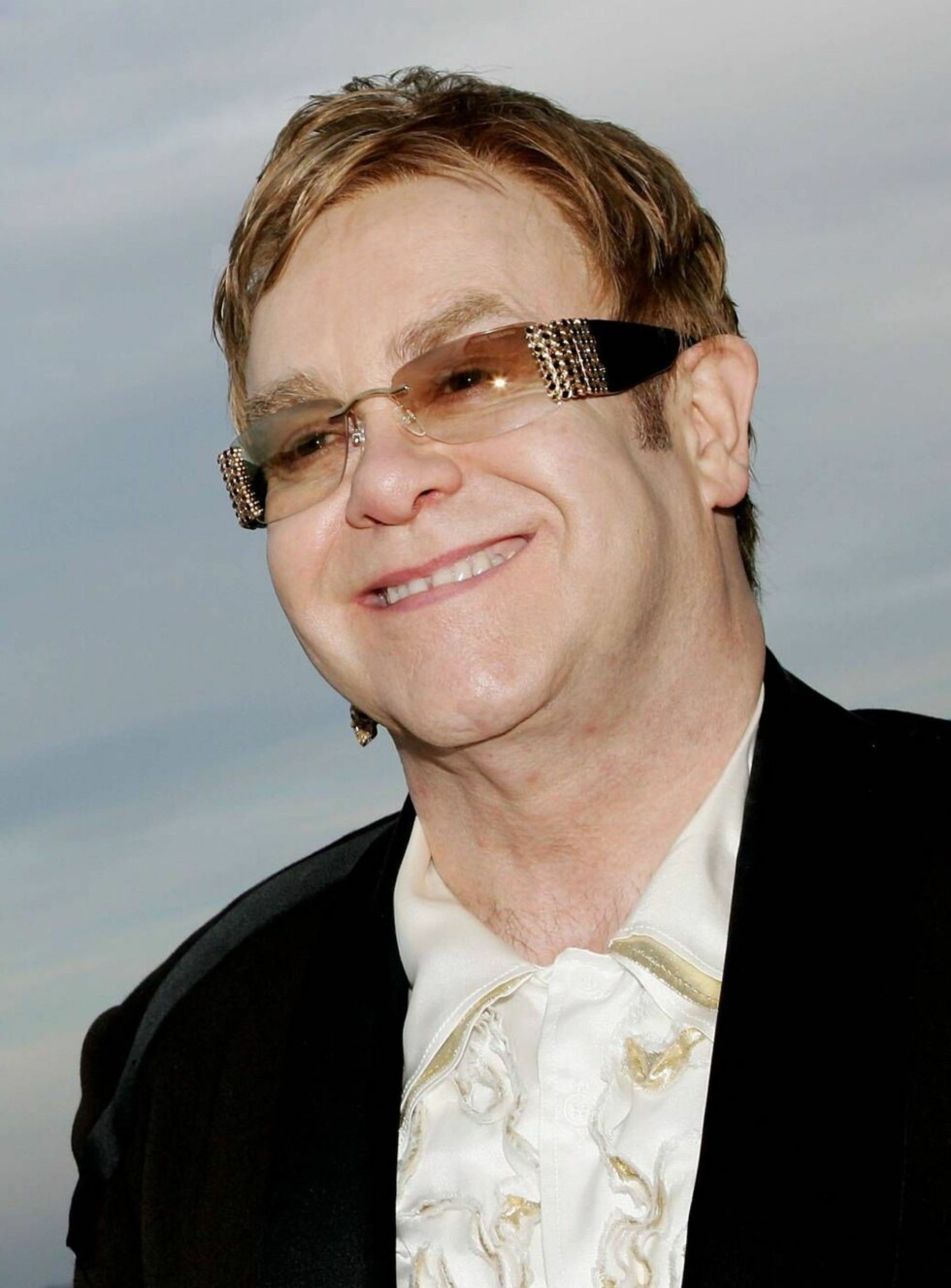 MULTIKUNSTNER: Sir Elton er lei av ballader og popmusikk. Foto: All Over Press