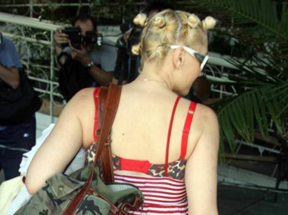 Gwen Stefani showing a new hair style goes shopping in Hollywood. Gavin Rossdale plays tennis...July 10, 2006 X17agency exclusive Foto: All Over Press