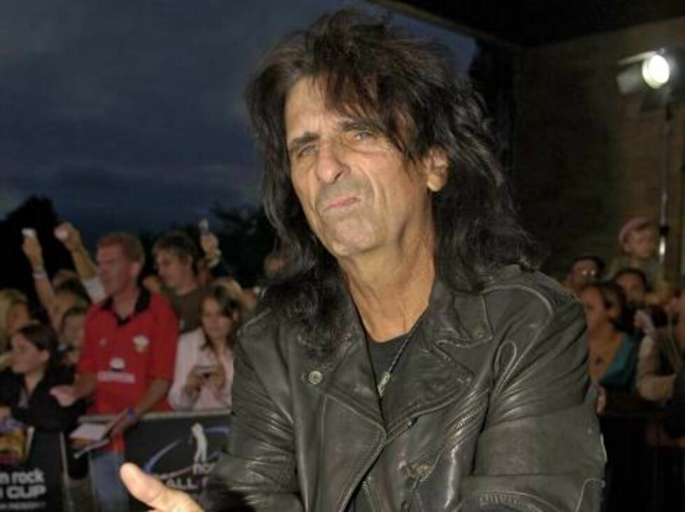The Northern Rock All Star Cup Gala dinner at the Celtic Manor Resort, in the Usk valley, south Wales on August 26, 2006.  Pictured: Alice Cooper  Photo by Stuart Morton/ABACAPRESS  Code 4001/104152  COPYRIGHT STELLA PICTURES Foto: Stella Pictures