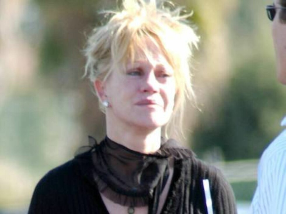 Grieving Melanie Griffith in tears after  Mulholland  co star Chris Penn's death. January 29, 2006 X17agency EXCLUSIVE / ALL OVER PRESS Foto: All Over Press