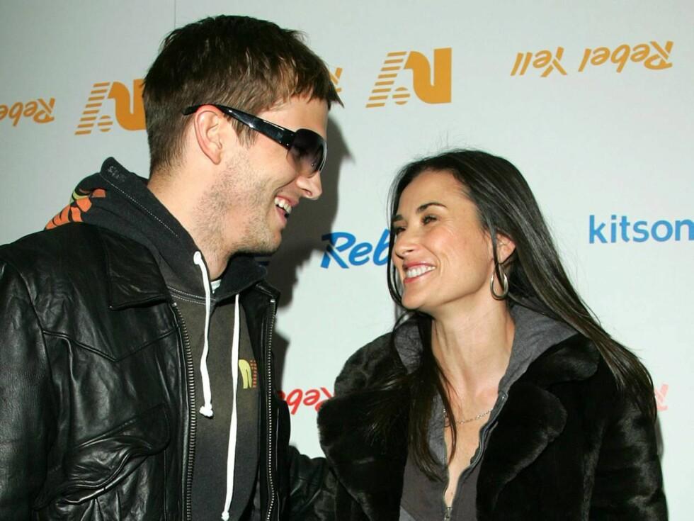 """GIFT: Ashton og """"Striptease""""-stjernen Demi Moore giftet seg i 2005. Siden har Ashton pent måttet matche antrekkene sine med sin 15 år eldre elskede. Foto: AP/Scanpix"""