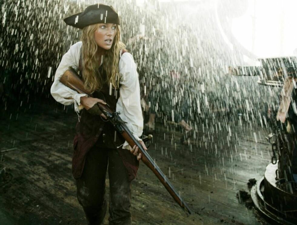 """ORDNER OPP: I """"Pirates of Caribbean 2"""" er Kiera høyt og lavt, men hjemme nekter hun å trene. Foto: filmweb"""