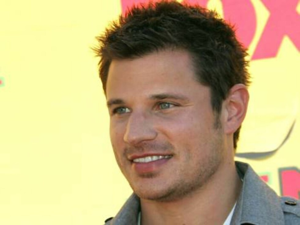 UNIVERSAL CITY, CA - AUGUST 20:  Singer Nick Lachey arrives at the 8th Annual Teen Choice Awards at the Gibson Amphitheatre on August 20, 2006 in Universal City, California.  (Photo by Frazer Harrison/Getty Images) *** Local Caption *** Nick Lachey  * SPE Foto: All Over Press