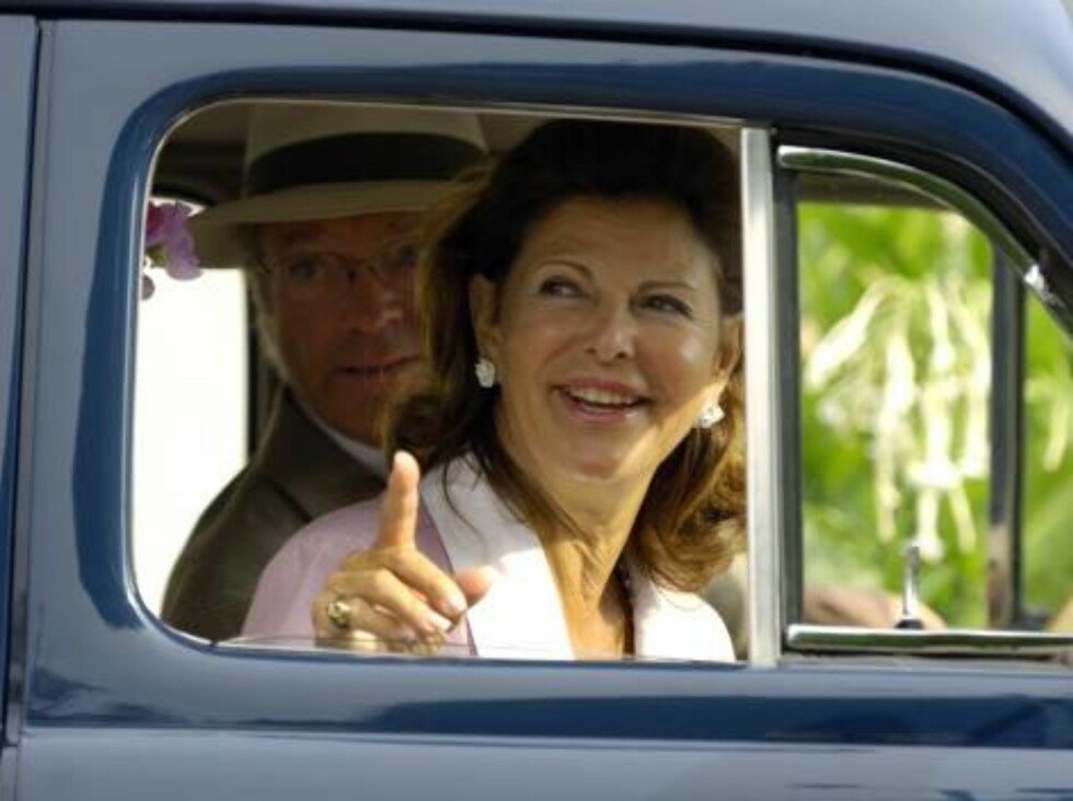BORGHOLM 2006-08-12.  King Carl XVI Gustaf and Queen Silvia of Sweden today were present at Kungsrallyt - The King's Rally - at Borgholm on the island of Öland. The royal couple drove a Volvo PV 60 from 1946, given to the King on his 50th anniversary 199 Foto: Stella Pictures