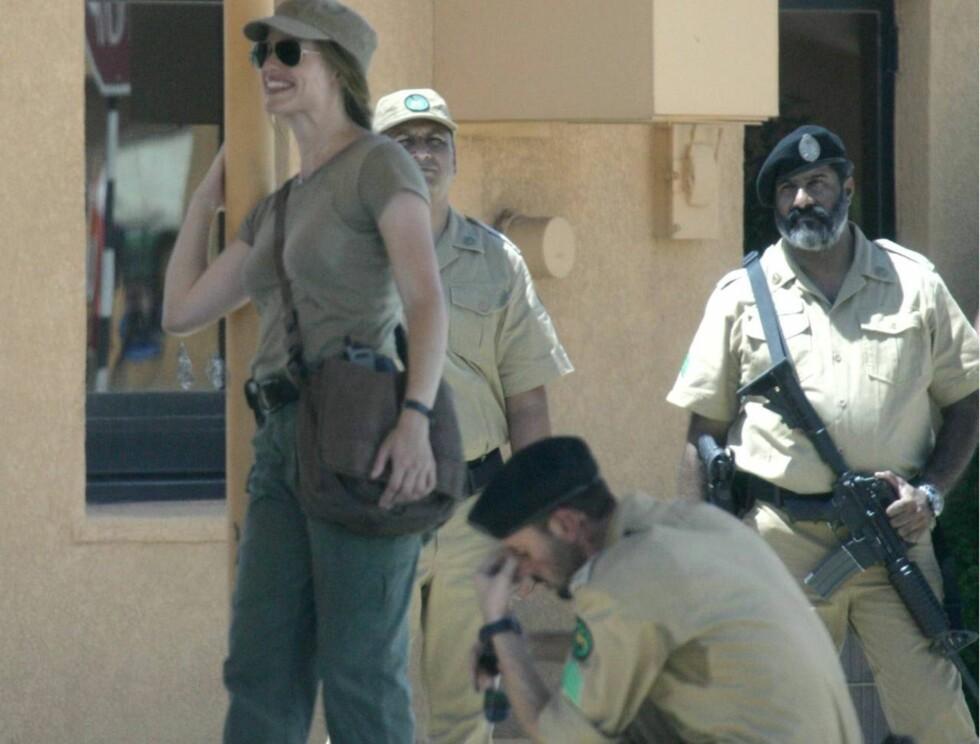 """TØRST: Det var ikke bare Jennifer som slet med varmen på settet til """"The Kingdom""""... Foto: All Over Press"""