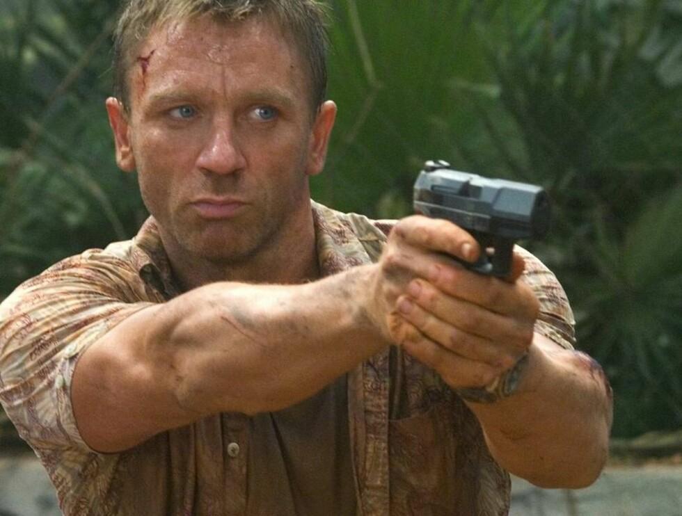 NY BOND: Daniel Craig ønsker å vise flere sider av James Bond, og ber fansen om ikke å hate ham. Foto: FILMWEB