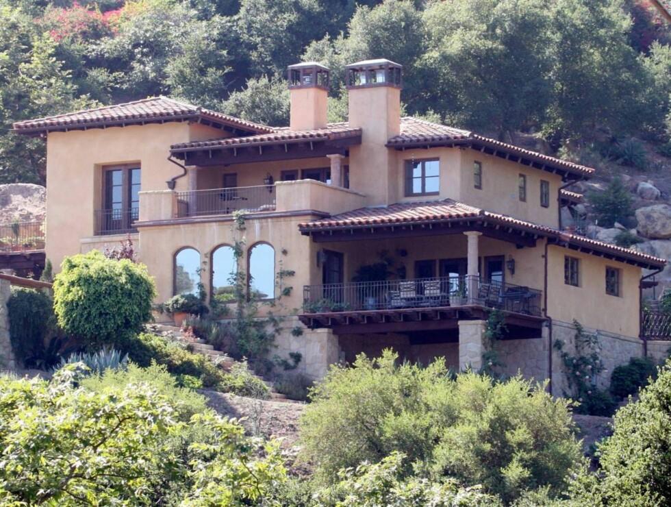 70 MILLIONER: Prislappen på dette huset var nesten 70 millioner kroner, men Britney trenger vel litt ekstra plass til garderoben... Foto: All Over Press