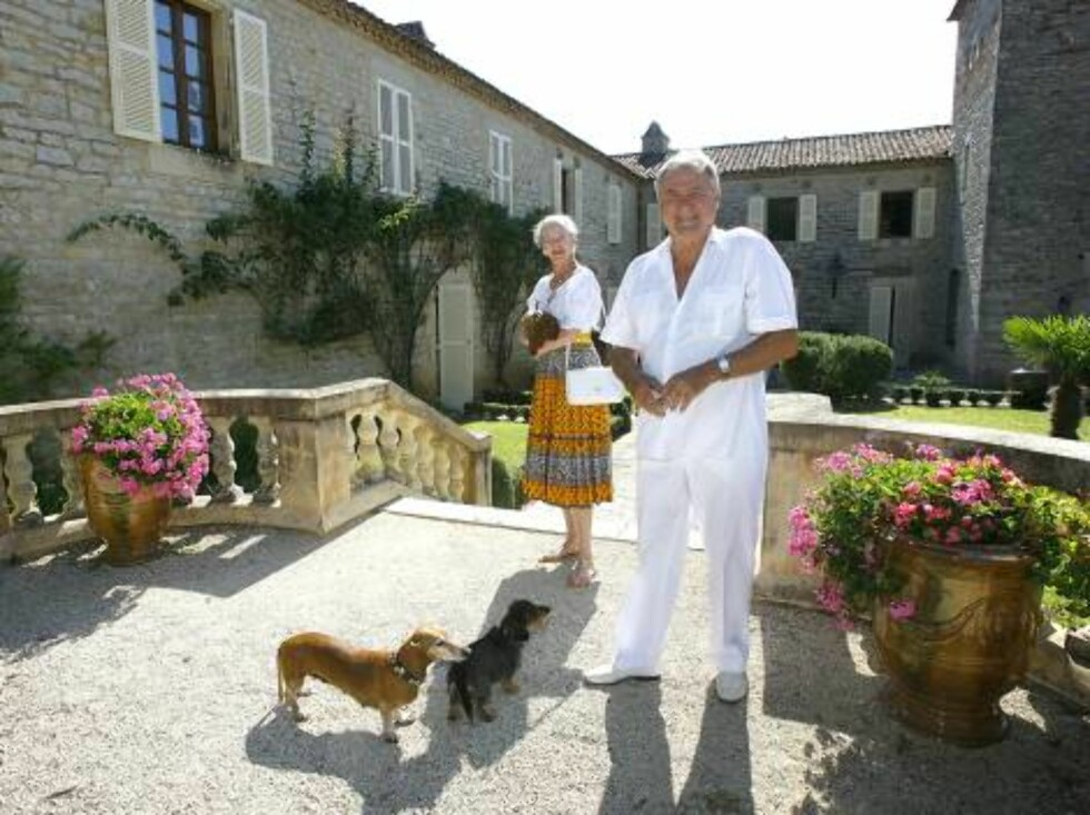 Queen Margrethe of Denmark and Prince Consort Henrik pose together with their pets during a photocall at Royal Family's summer residence Chateau de Caix near Cahors, France, on August 9, 2006    Picture: Queen Margrethe of Denmark  and Prince Henrik  Phot Foto: Stella Pictures
