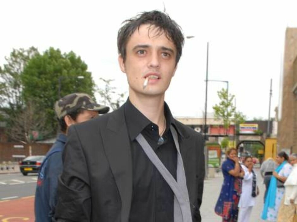 Pete Doherty Pete Doherty Court Appearance for Drugs Posession Charges - July 13, 2006 Thames Magistrates Court London,  Great Britain July 13, 2006 Photo by Simon James/WireImage.com  To license this image (9454679), contact WireImage: U.S. +1-212-686-89 Foto: All Over Press
