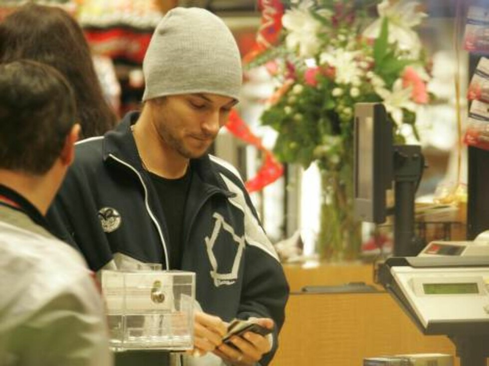 Kevin Federline grocery shopping for the Spears family in Malibu. January 1, 2006 X17agency exclusive / ALL OVER PRESS Foto: All Over Press