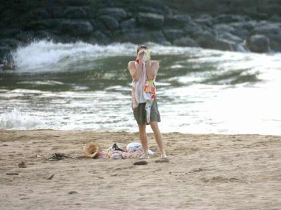 Hawai, USA 2006-08-09  Leonardo Di Caprio and Tobey Maguire on holidays in Hawai, HI on August 9, 2006.   Photo: VIPIX/ABACAPRESS  Code: 4001/103288  COPYRIGHT STELLA PICTURES Foto: STELLA PICTURES