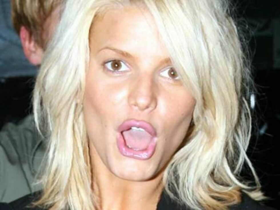 Almost no makeup Jessica Simpson is surprised by photogs as she leaves MrChow restaurant. Any boyfriend? Just stylist Ken Paves. Mai 2, 2006 X17agency exclusive / ALL OVER PRESS Foto: All Over Press