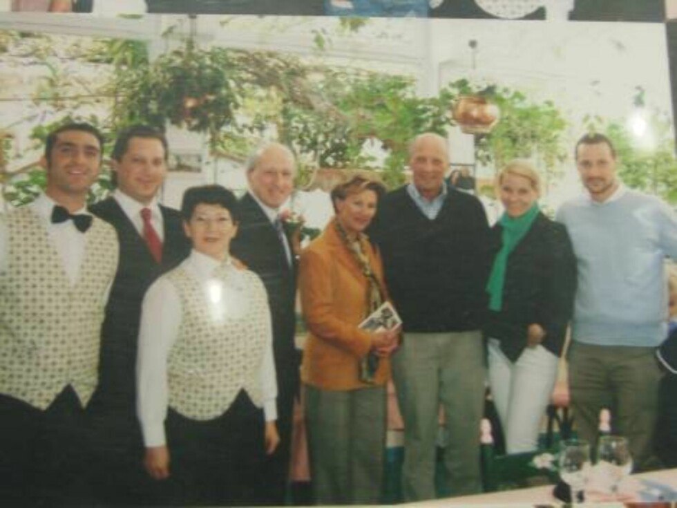 CELEBERT: Capri er kjendisenes øy, og vår egen kongefamilie feiret påske her i 2004. Foto: Helle Øder Valebrokk
