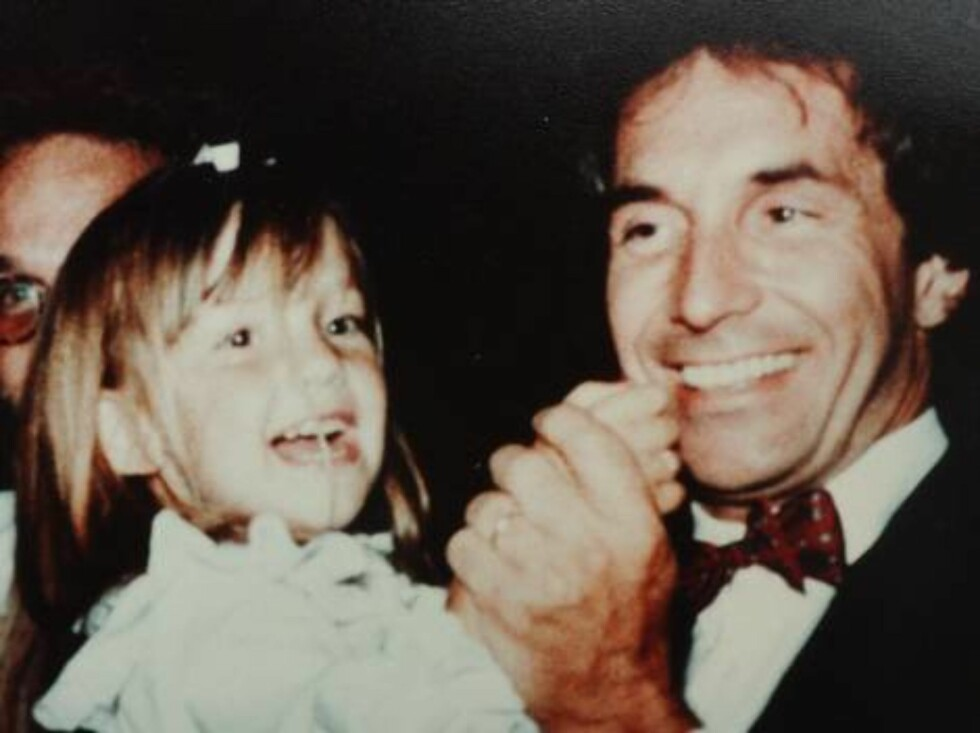 FILE: Hudson family album. Collect picture showing Kate Hudson aged 3 years with her father Bill at a wedding in Beverly Hills,C.A.  Photo: DR Code: 3011  COPYRIGHT STELLA PICTURES Foto: Stella Pictures