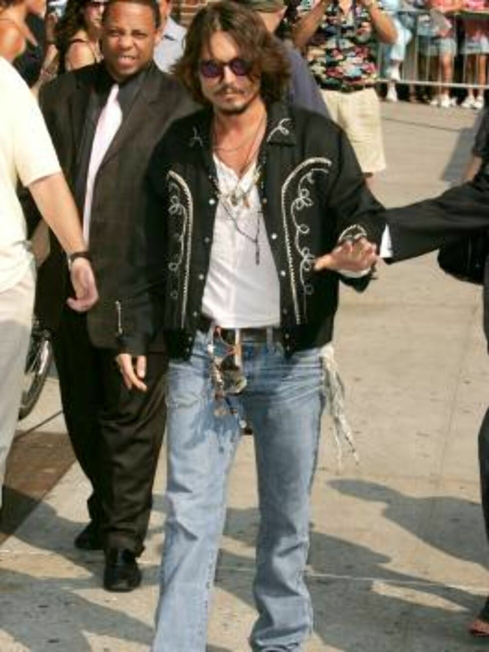 NEW YORK - JULY 27:  Actor Johnny Depp arrives for a taping of  The Late Show With David Letterman on July 27, 2006 in New York City.  (Photo by Peter Kramer/Getty Images) *** Local Caption *** Johnny Depp  * SPECIAL INSTRUCTIONS:  * *OBJECT NAME: 7151090 Foto: All Over Press