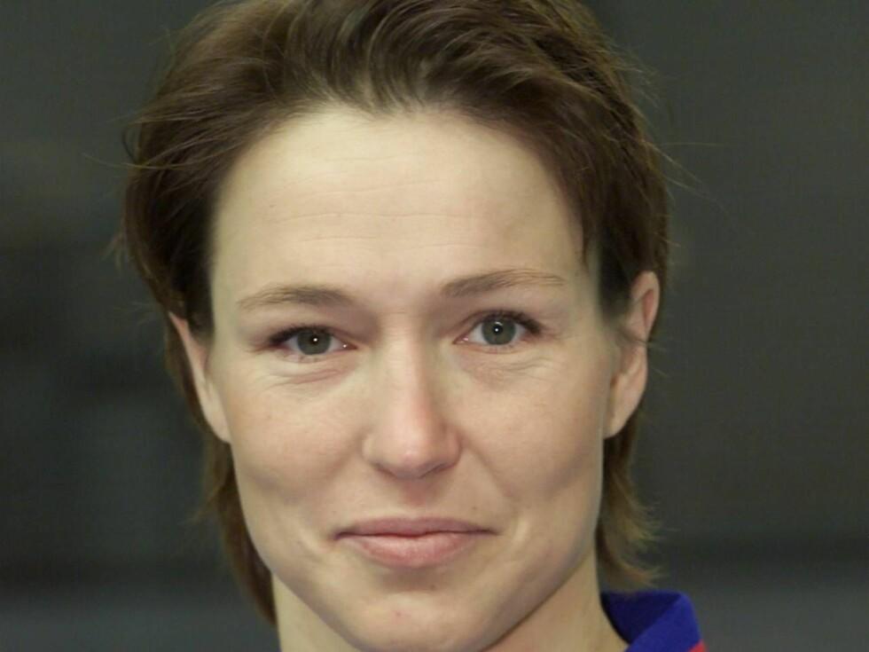 MISTET HYTTA: Susann Goksør Bjerkrheim er lettet over at ingen i familien lå og sov i hytta som brant ned Foto: Se og Hør, Tor Kvello