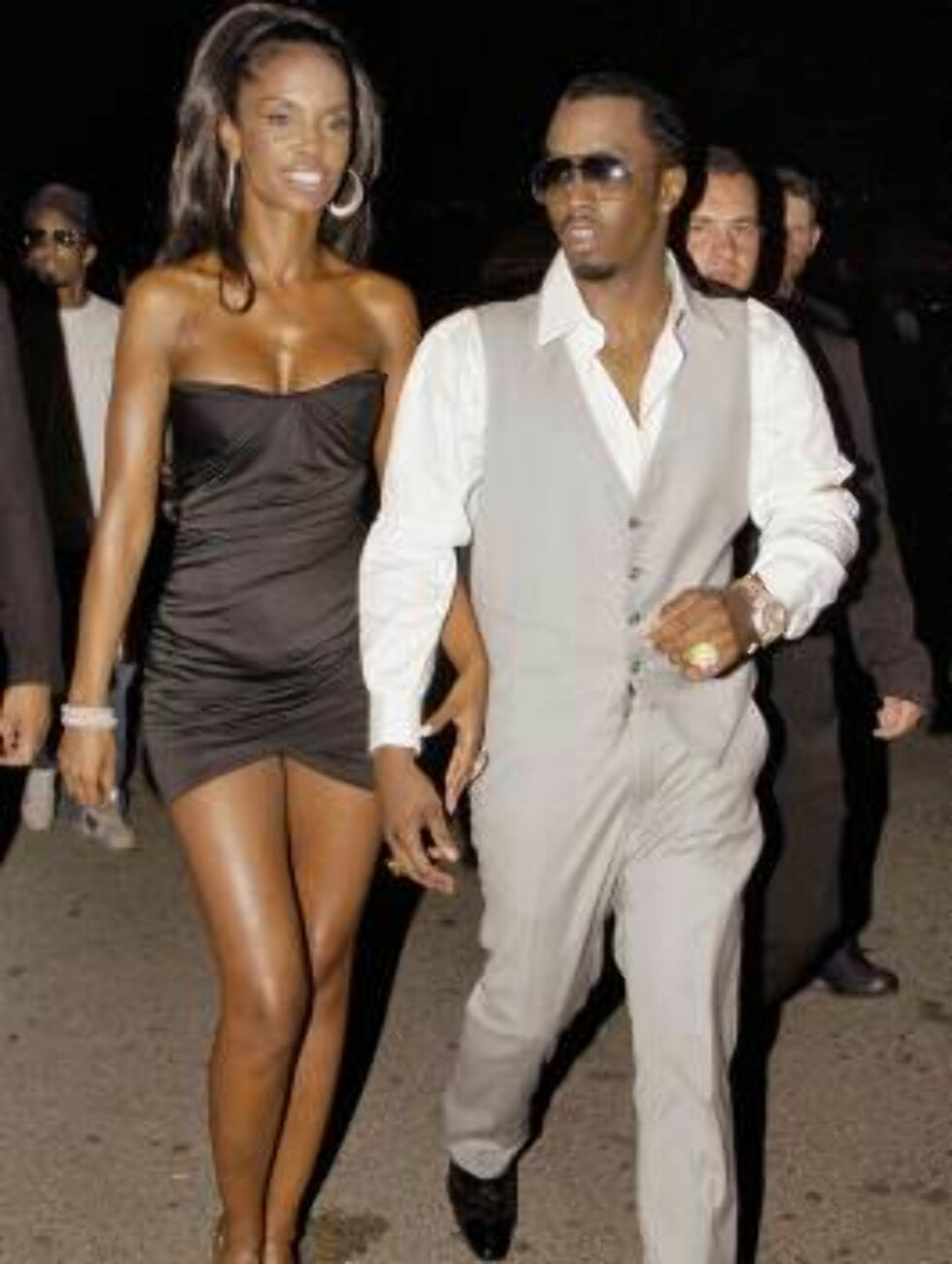 Sean 'P.Diddy' Combs arrives with his grilfriend Kim at the VIP Room night club to attend his 'Unforgivable' party in Saint-Tropez, France on July 31, 2006.   Photo: ABACAPRESS  Code: 4001/102741  COPYRIGHT STELLA PICTURES Foto: STELLA PICTURES