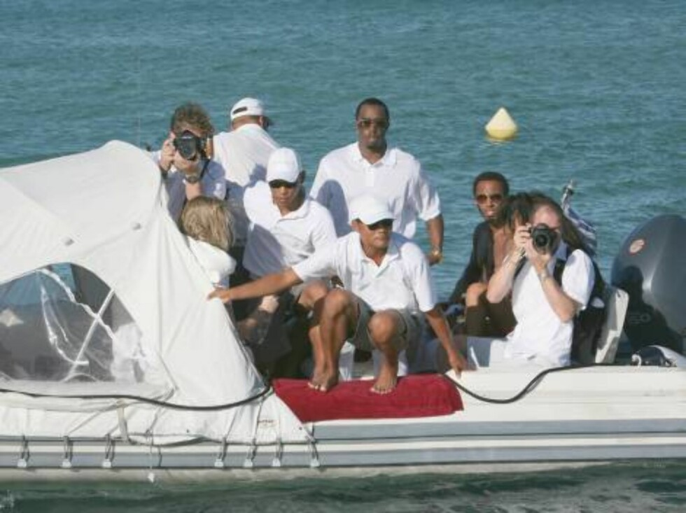 Sean 'P.Diddy' Combs and his friends arrive at the Nikki Beach in Saint-Tropez, France on August 1, 2006. After given a party the night before at the VIP Room, P.Diddy and his entourage are ready to burn up the night here... Photo:  ABACAPRESS.COM  Code:4 Foto: Stella Pictures