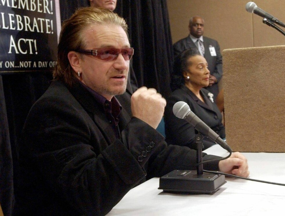 ENGASJERT: Det er ikke få kroner Bono har samlet inn til veldedighet! Foto: All Over Press