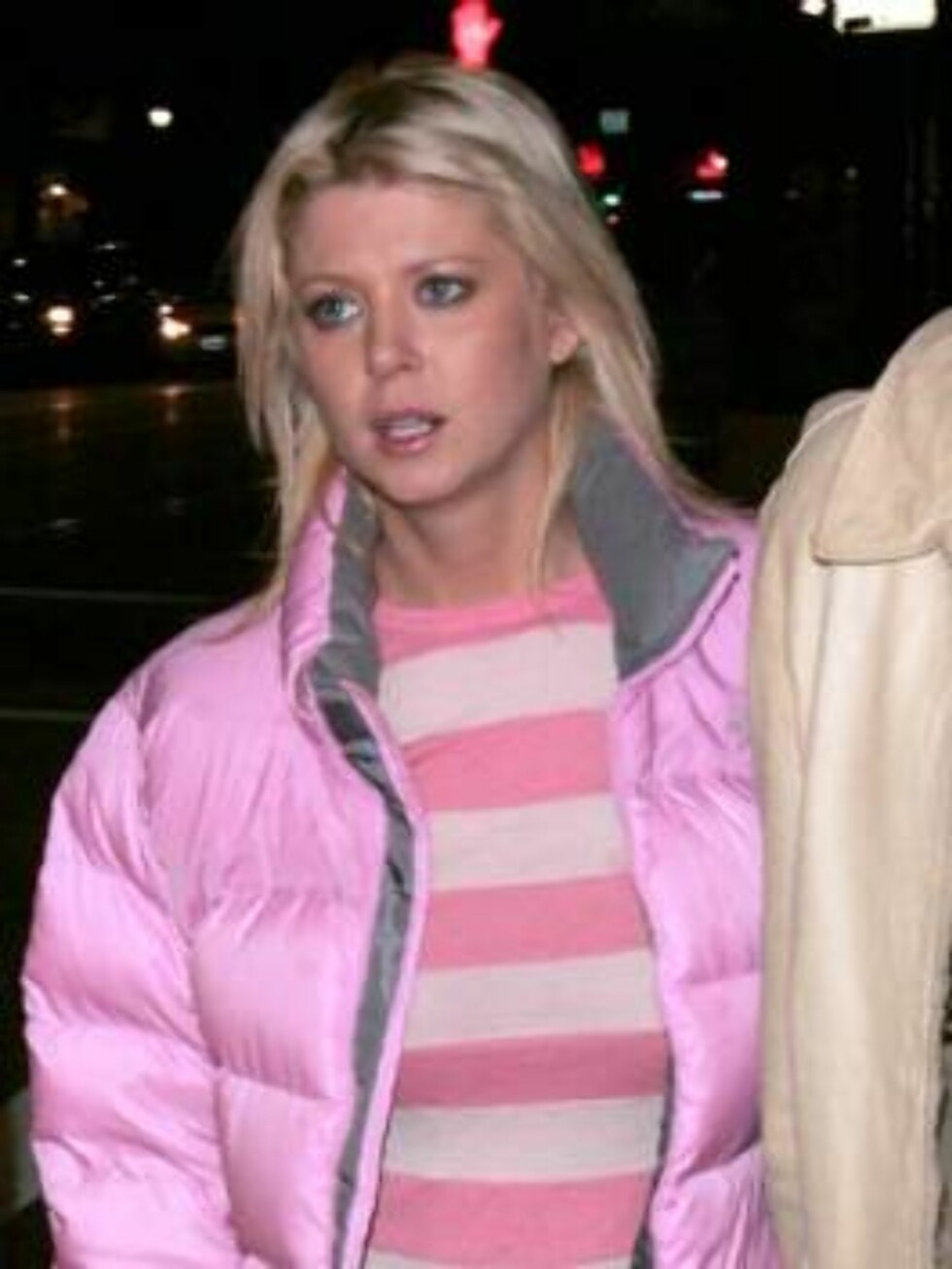 Tara Reid with new beau outside club LAX. March 23, 2006 X17agency exclusive / ALL OVER PRESS Foto: All Over Press