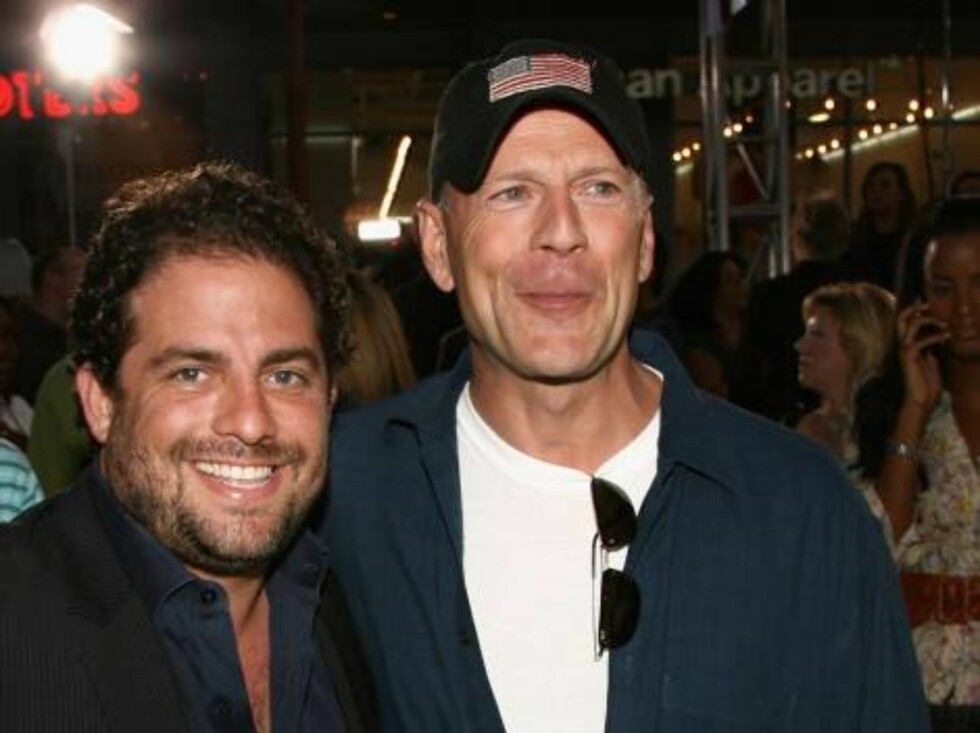 "<strong>LOS ANGELES, CA - JULY 26:</strong>  Director Brett Ratner and actor Bruce Willis arrive at the premiere of ""Talladega Nights: The Ballad of Ricky Bobby"" at Mann's Grauman Chinese Theater on July 26, 2006 in Hollywood, California.  (Photo by Kevin Winter/Getty Ima Foto: All Over Press"