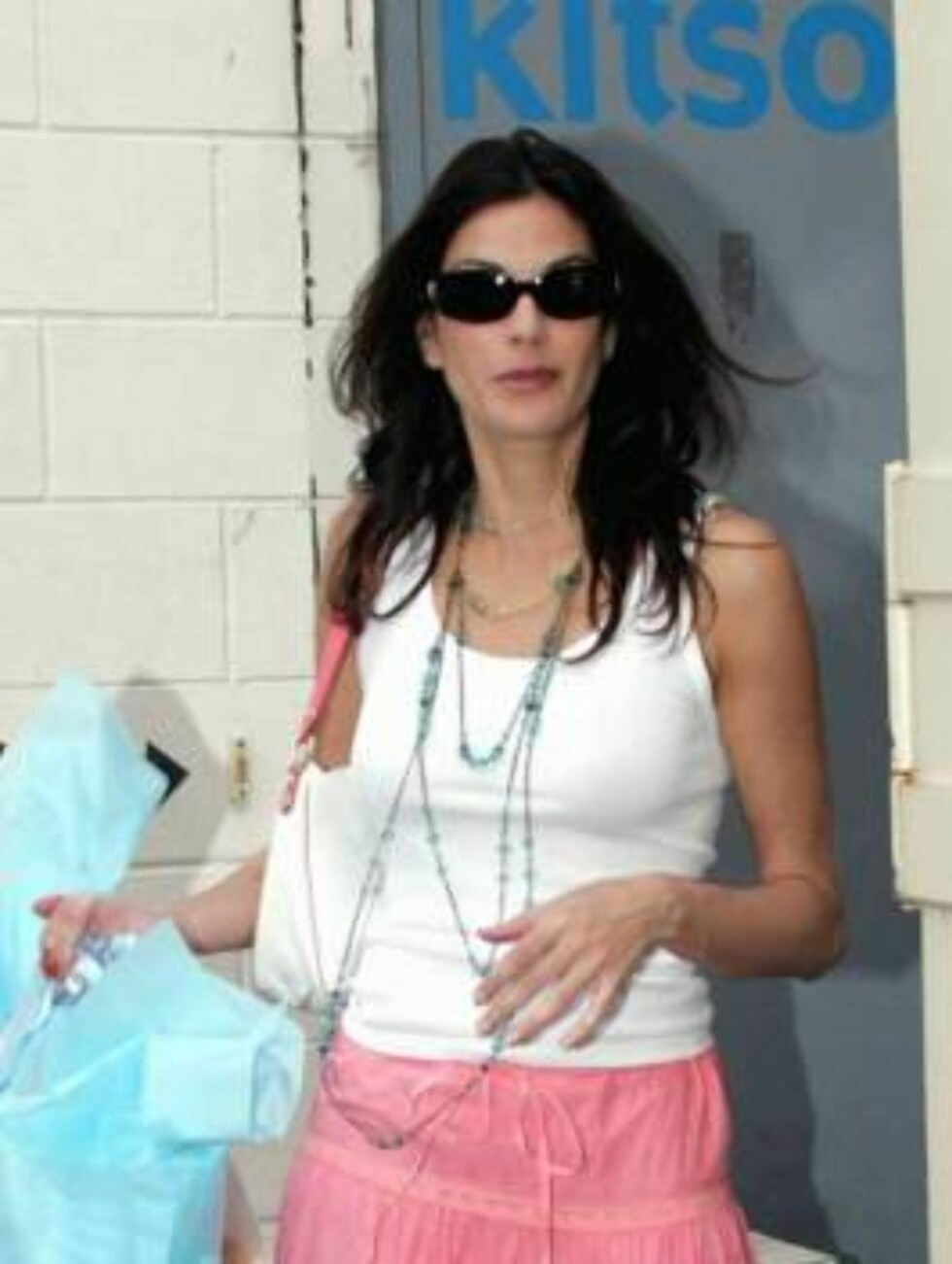 """<strong>Code:</strong> X17XX8 - no code, Beverly Hills, USA, 03.04.2005: """"Desperate Housewives"""" Teri Hatcher shopping at Kitson store in Beverly Hills All Over Press / X17 Agency  / ALL OVER PRESS Foto: All Over Press"""