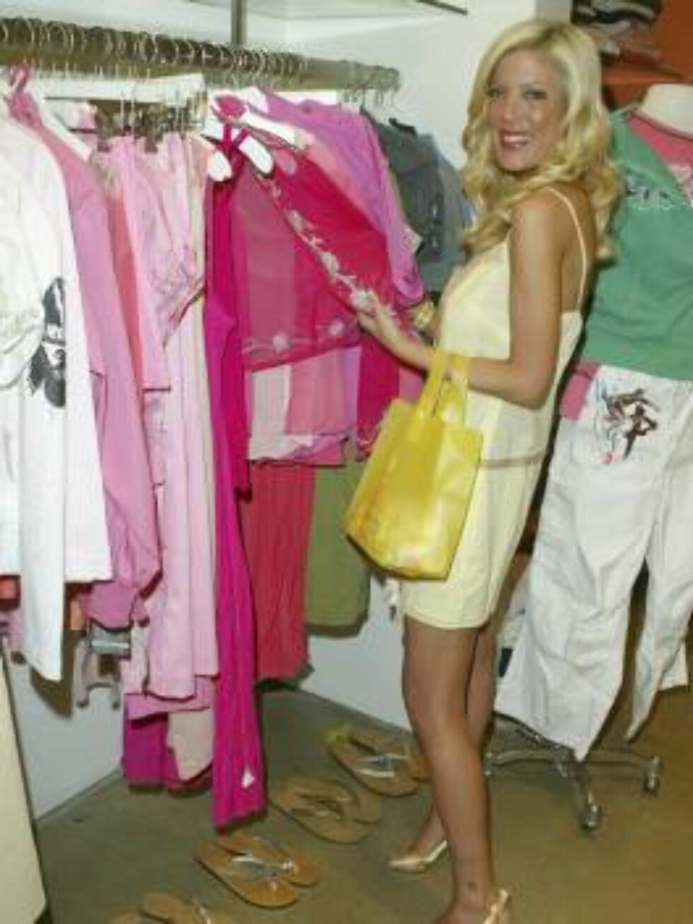 """<strong>LOS ANGELES - MAY 10:</strong> [US TABS AND MAGS OUT] Actress Tori Spelling attends the """"Tweety"""" Launch Party at Kitson on May 10, 2005 in Los Angeles, California. (Photo by Matthew Simmons/Getty Images) / ALL OVER PRESS52779218MS010_Tweety *** Local Caption *** T Foto: All Over Press"""