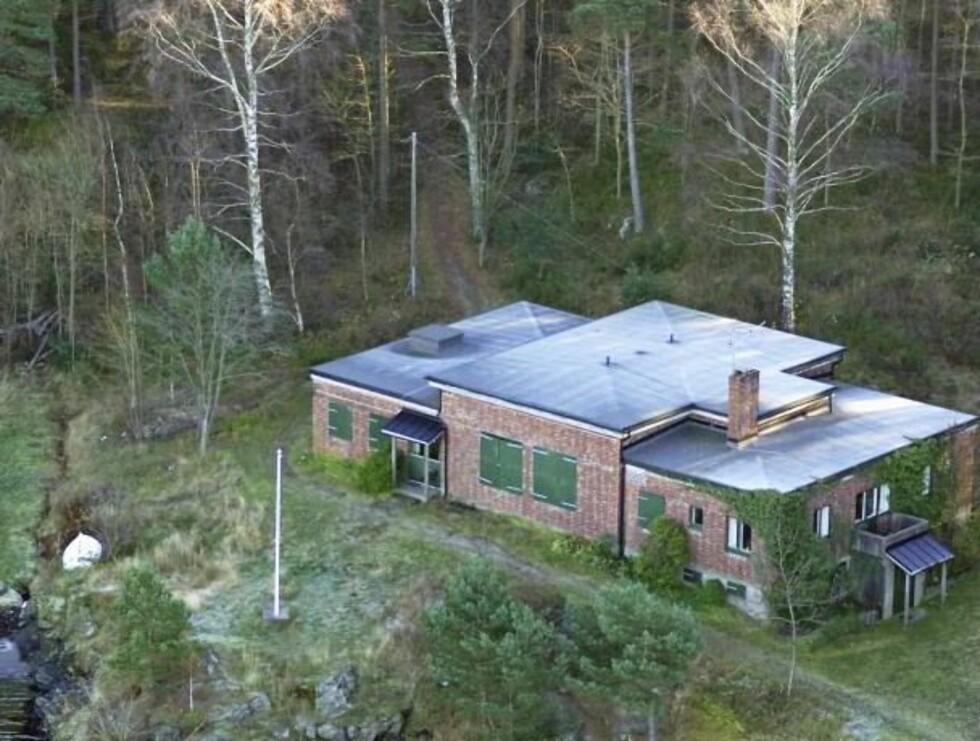 IDYLLISK: Kronprinsparet skal ikke bygge ny hytte, men beholde disse bygningene samt bygge ei vaktbu