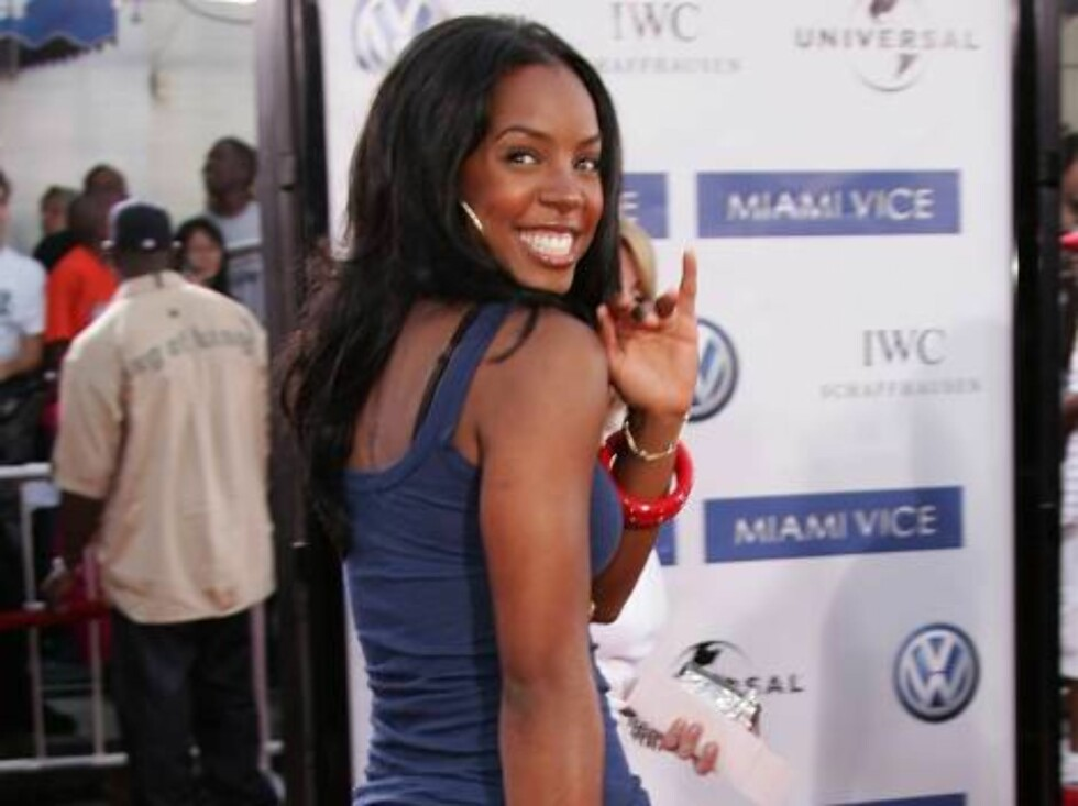 """<strong>WESTWOOD, CA - JULY 20:</strong>  Singer Kelly Rowland arrives at the Universal Pictures premiere of """"Miami Vice"""" held at the Mann's Village Theatre on July 20, 2006 in Westwood, California.   (Photo by Frazer Harrison/Getty Images) *** Local Caption *** Kelly Row Foto: All Over Press"""