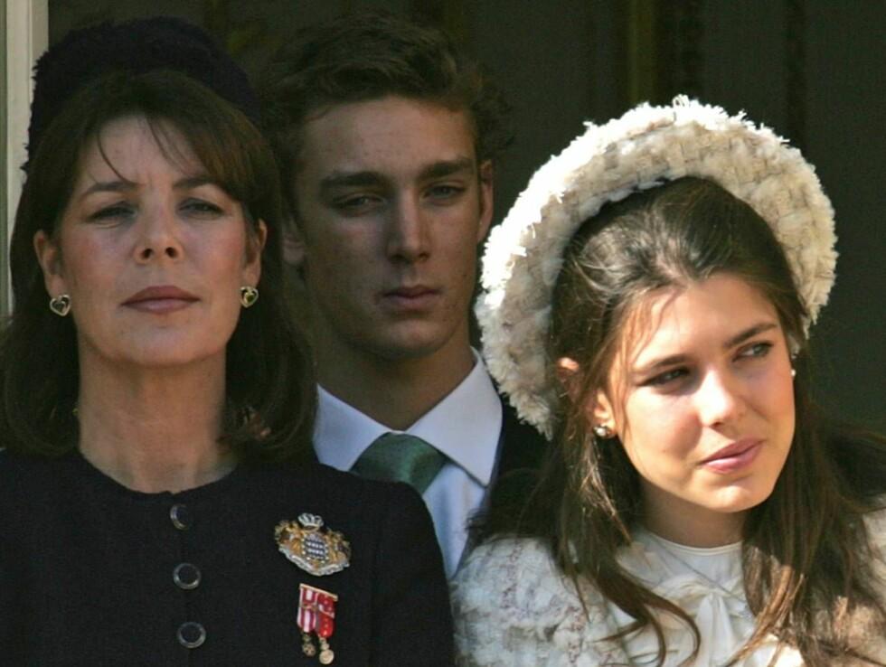 I FRYKT: Caroline vet ikke hvem som vil kidnappe barna hennes. Her er hun sammen med Pierre og Charlotte. Foto: Scanpix/AP