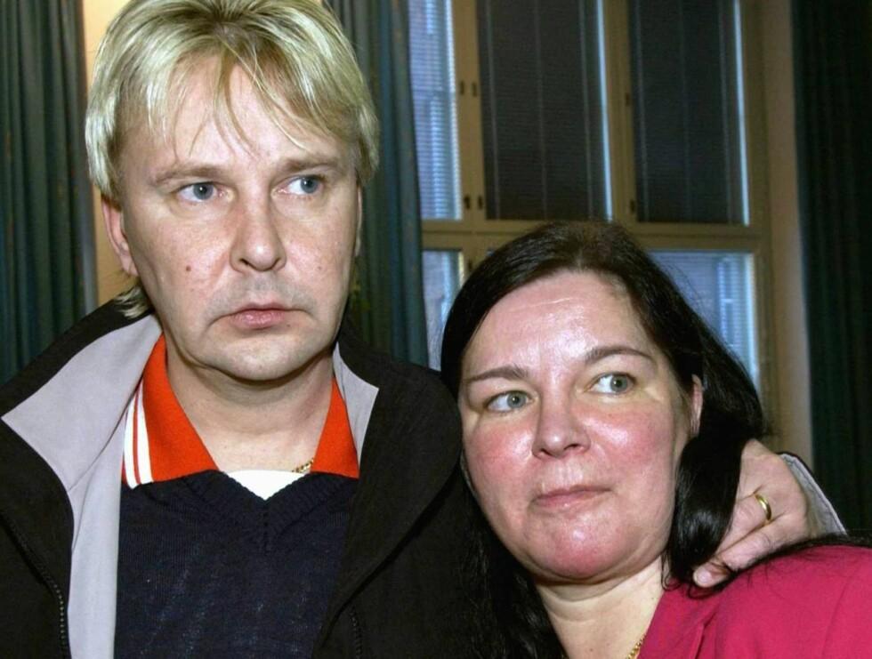 BER FOR MANNEN: Kona Mervi Nykänen ber om at Matti snart skal innse hvor alvorlige helseproblemene hans er. Foto: AP