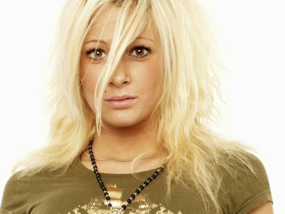 SLÅTT NED: Blondinen er ikke bare populær etter seieren i reality-showet. Foto: TVNorge