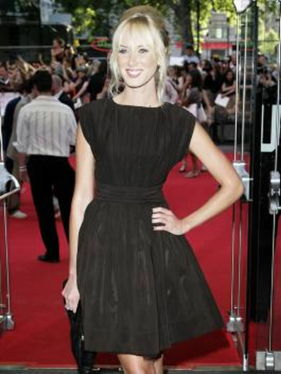 "<strong>LONDON - JULY 03:</strong>  (UK TABLOID NEWSPAPERS OUT)  Kimberley Stewart, daughter of Rod Stewart, arrives at the European Premiere of ""Pirates of the Caribbean: Dead Man's Chest"" at Odeon Leicester Square on July 3, 2006 in London, England.  (Photo by Dave Hoga Foto: All Over Press"
