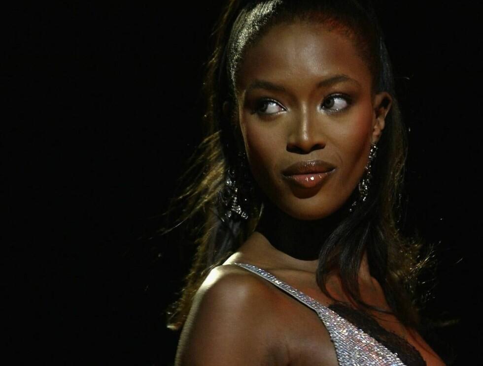 GAMMEL TRAVER: Også Naomi Campell var populær. Den mørke skjønnheten har jobbet som modell helt siden 1985. Foto: All Over Press