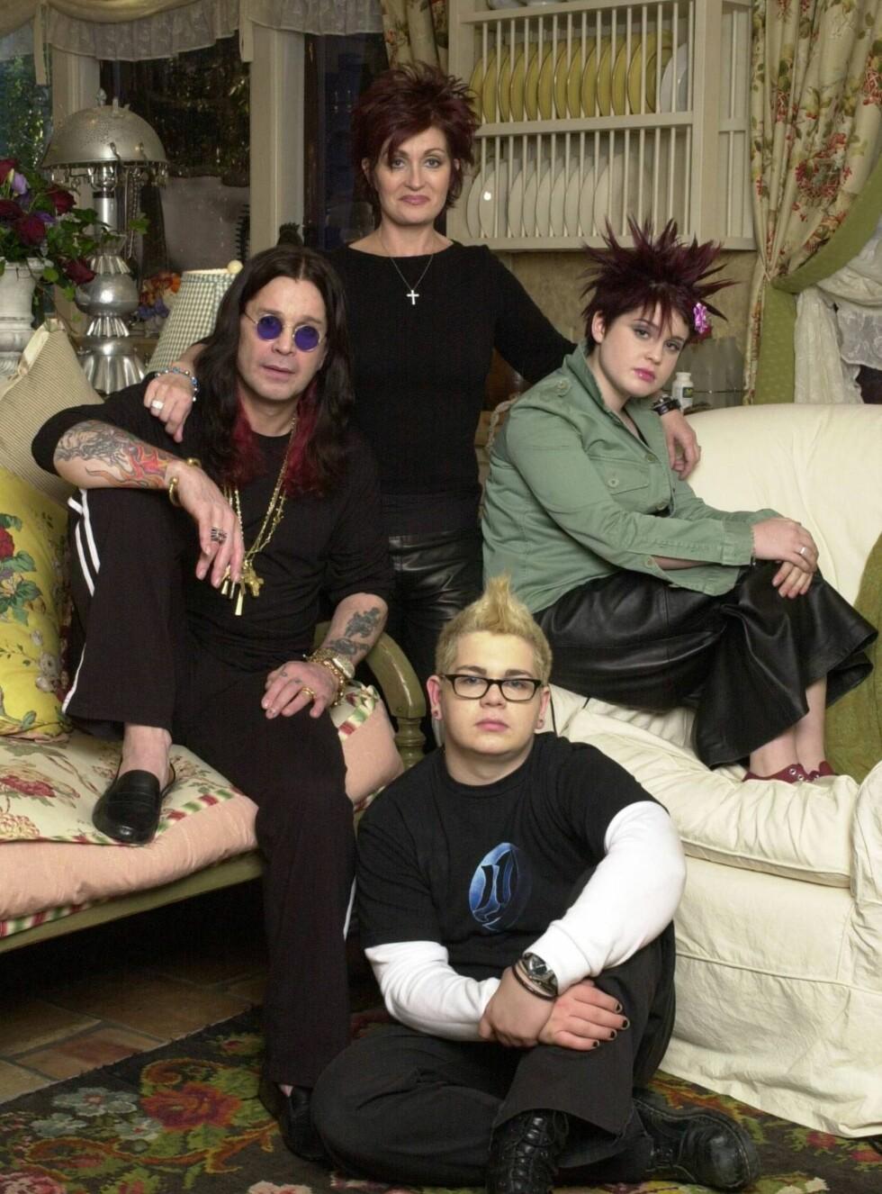 HJEMMEBRANN: Det er foreløpig ikke klart hva som startet brannen hjemme hos Ozzy, Sharon, Kelly og Jack Osbourne. Foto: All Over Press