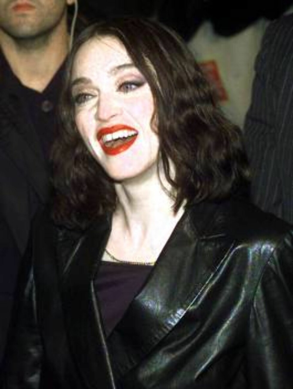 US pop star Madonna arrives at the Filaforum, near Milan as guest of the MTV Europe music awards Thursday, November 12, 1998. (AP Photo/Luca Bruno) Foto: AP/Scanpix