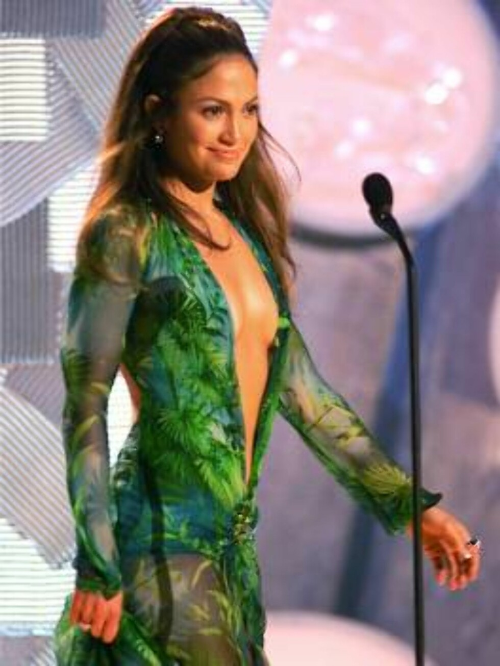 Jennifer Lopez, perhaps the evening's most-talked-about celebrity with a gown cut in a loose V that left little to the imagination, appears on-stage during the 42nd Grammy Awards at the Staples Center in Los Angeles, Wednesday,  Feb. 23, 2000. (AP Photo/K Foto: AP/Scanpix
