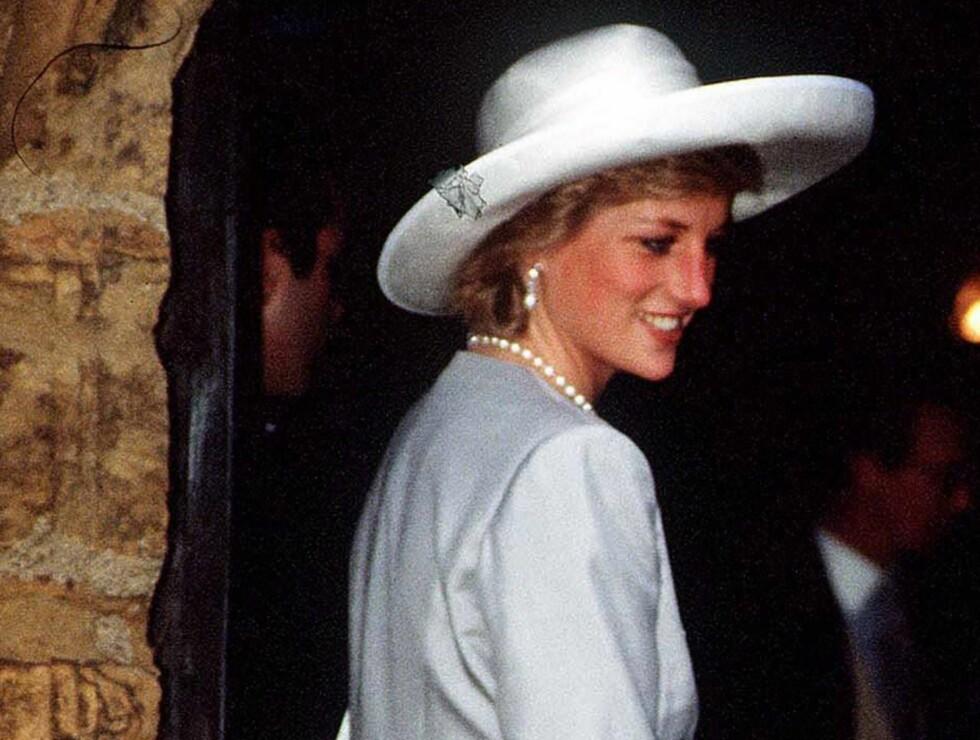 "POPULÆR: Diana ble omtalt som ""folkets prinsesse"" og ikke alle tilhengerene er overbevist om at dødsulykken i Paris var tilfeldig... Foto: All Over Press"