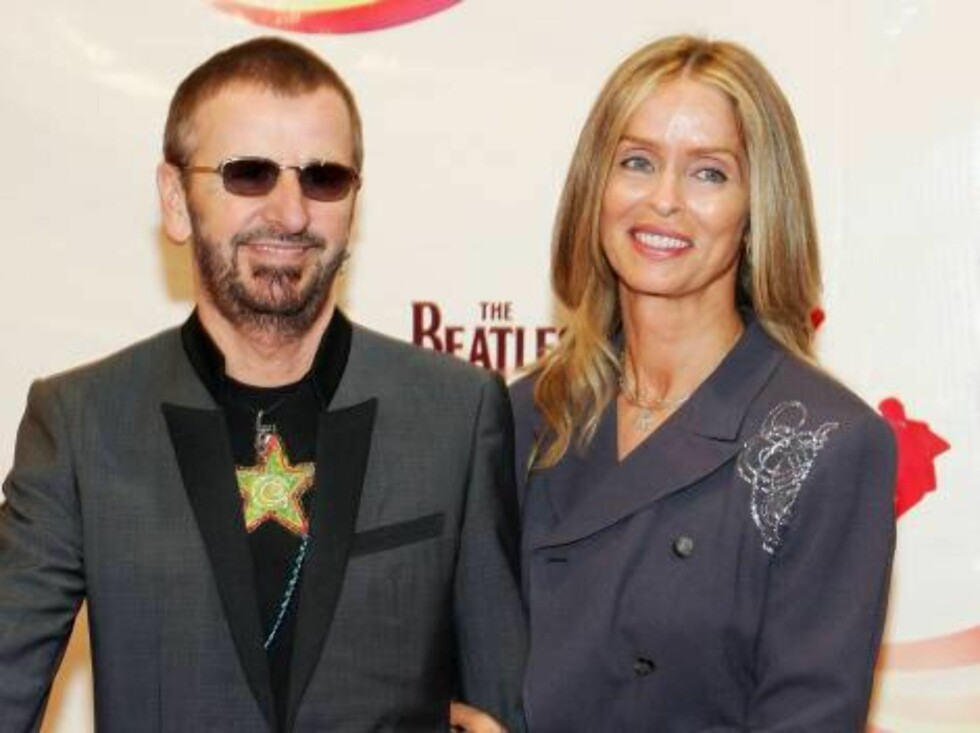 "LAS VEGAS - JUNE 30:  Musician Ringo Starr (L) and his wife actress Barbara Bach pose after attending the gala premiere of ""The Beatles LOVE by Cirque du Soleil"" at the Mirage Hotel & Casino June 30, 2006 in Las Vegas, Nevada. (Photo by Ethan Miller/Getty Foto: All Over Press"