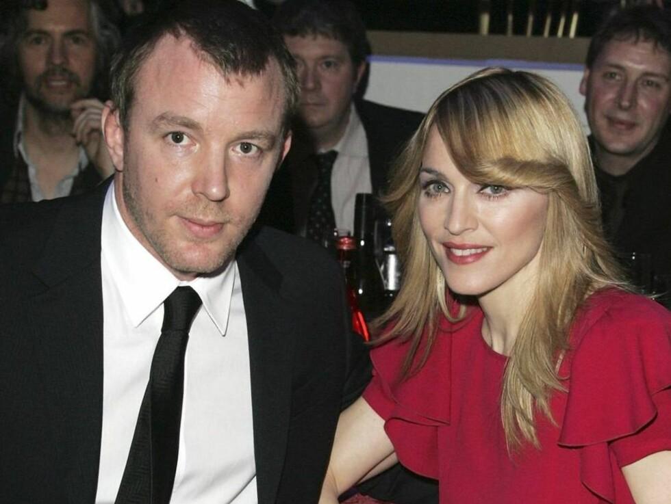 SUPERPAR: Ekteskapet med Madonna har økte Guy Ritchies stjernestatus betraktelig. Foto: All Over Press
