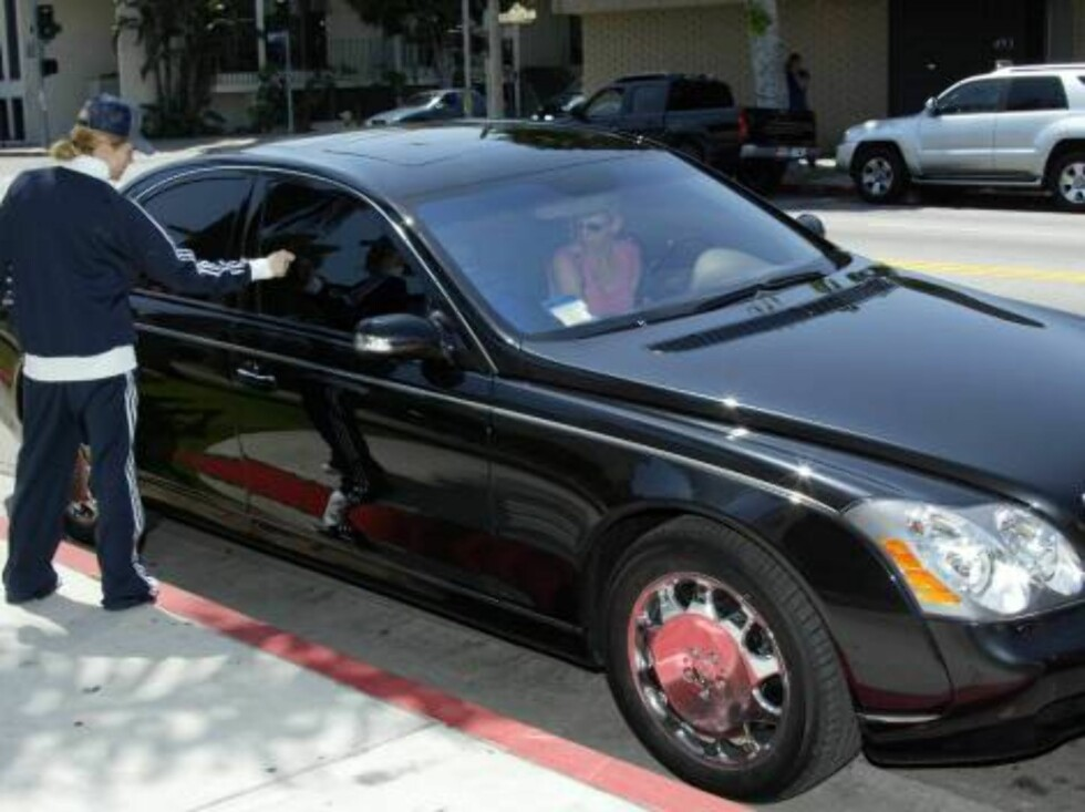 Madonna left the Beverly Hills Kabbalah Centre in her new Maybach.  The new luxury vehicle is $350,000 (USD) and his fresh off the showroom floor.  Just weeks before, the Material Girl left her Saturday worship in the decidedly less pricey Mini Cooper.  A Foto: All Over Press