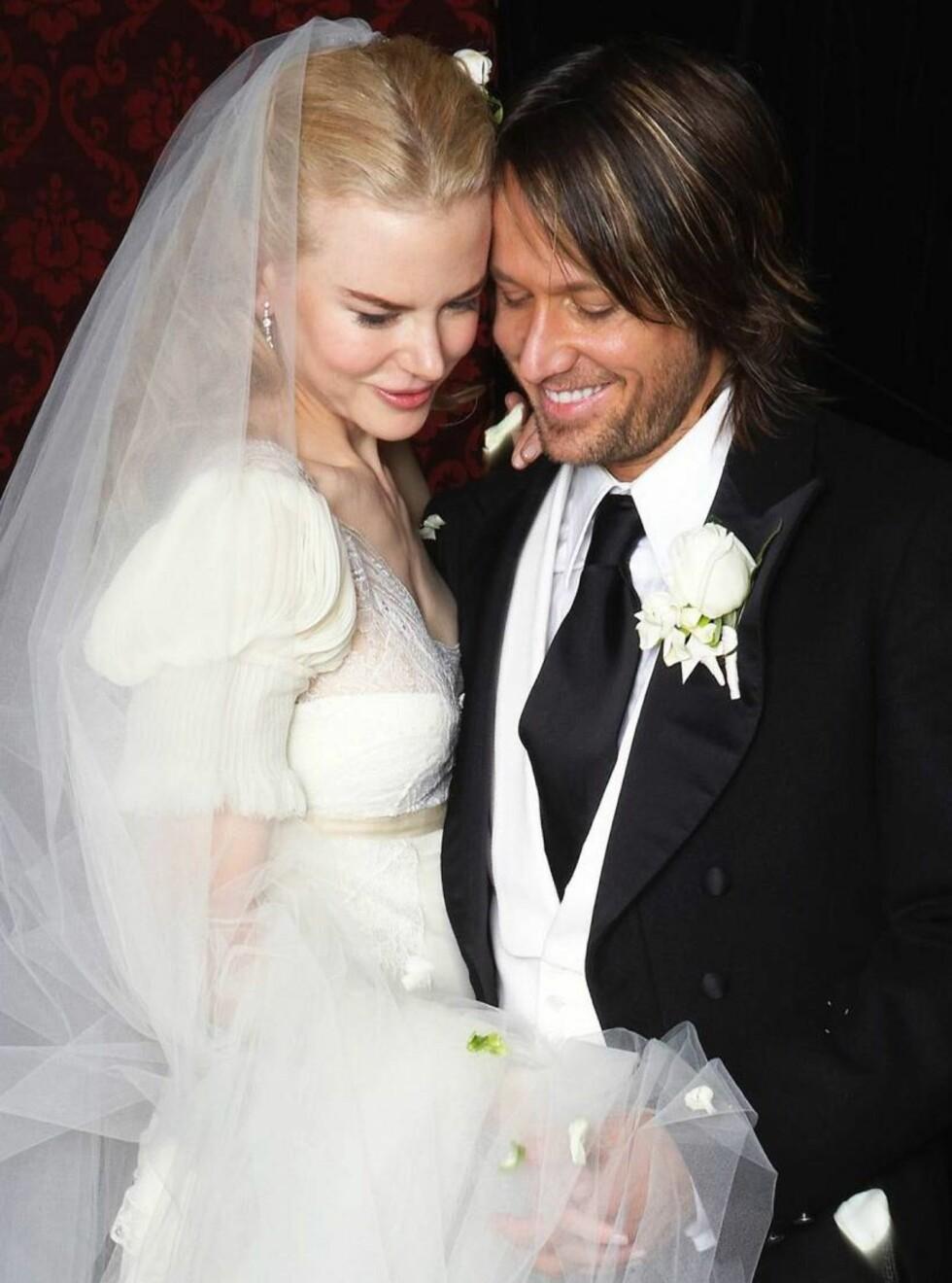 BRUDEBILDET: Nicoel og Keith ble gift i en storslahgen seremoni i hjemlandet Australia. Foto: AP/Scanpix