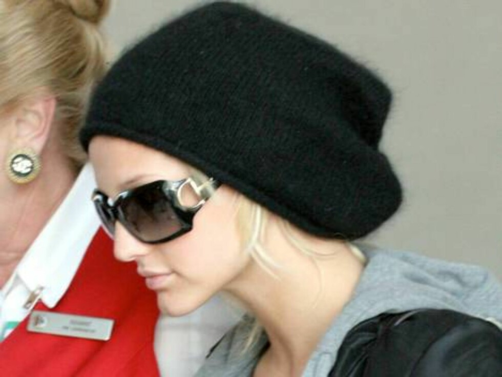 Ashlee Simpson shows off her new nose after plastic surgery as she arrives at LAX Los Angeles airport mai 5, 2006 X17agency EXCLUSIVE / ALL OVER PRESS Foto: All Over Press