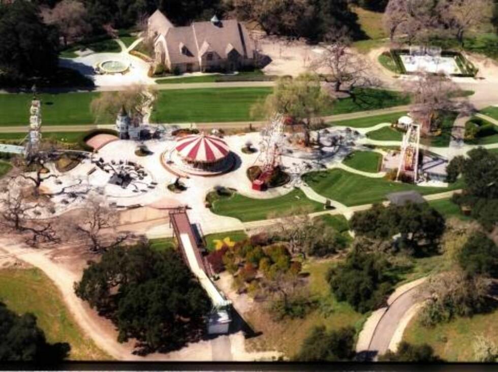 GIGANTISK: Michael Jacksons hjem er mildt sagt luksuriøst... Foto: All Over Press