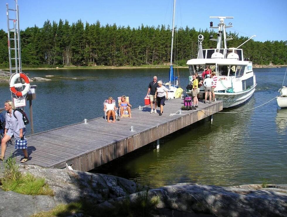 PÅ LOFFEN: Nå kan du dra på øy-loffing på Sveriges største innsjø. For 250 kr kan du kjøre så mye båt du vil i hele sommer. Foto: Mariestad.se
