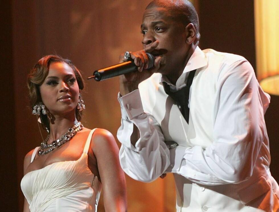 SAMSTEMT: Samboerne Beyoncé og Jay-Z sang sammen i Radio City Music Hall i New York. Foto: All Over Press