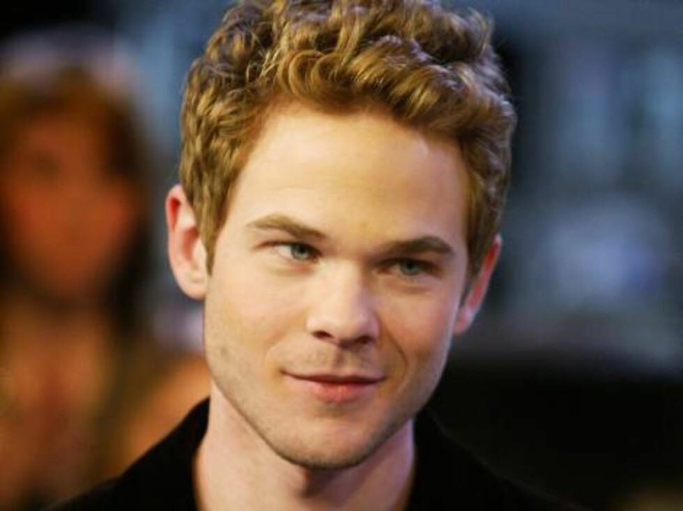 TORONTO - MAY 9:  Actor Shawn Ashmore appears on Canadian television channel MuchMusic May 9, 2006 in Toronto, Ontario, Canada.  (Photo by Donald Weber/Getty Images) *** Local Caption *** Shawn Ashmore  * SPECIAL INSTRUCTIONS:  * *OBJECT NAME: 57556683DW0 Foto: All Over Press